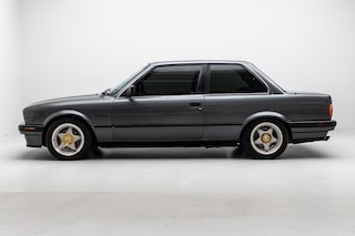 1989 BMW 325 i *Manual* with Sunroof, Clarion Audio System Coupe