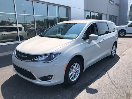 2020 Chrysler Pacifica Touring Van Passenger Van