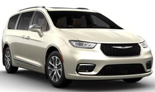 2021 Chrysler Pacifica Hybrid PINNACLE Passenger Van