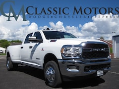 New 2019 Ram 3500 TRADESMAN CREW CAB 4X4 8' BOX Crew Cab for Sale in Richfield UT