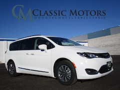 New 2020 Chrysler Pacifica TOURING L PLUS Passenger Van for Sale in Richfield UT