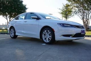 New 2015 Chrysler 200 Limited Sedan Irving TX