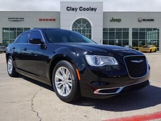 New 2016 Chrysler 300 Limited Sedan Irving TX