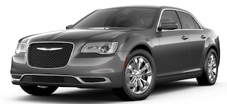 New 2019 Chrysler 300 TOURING AWD Sedan Irving, TX