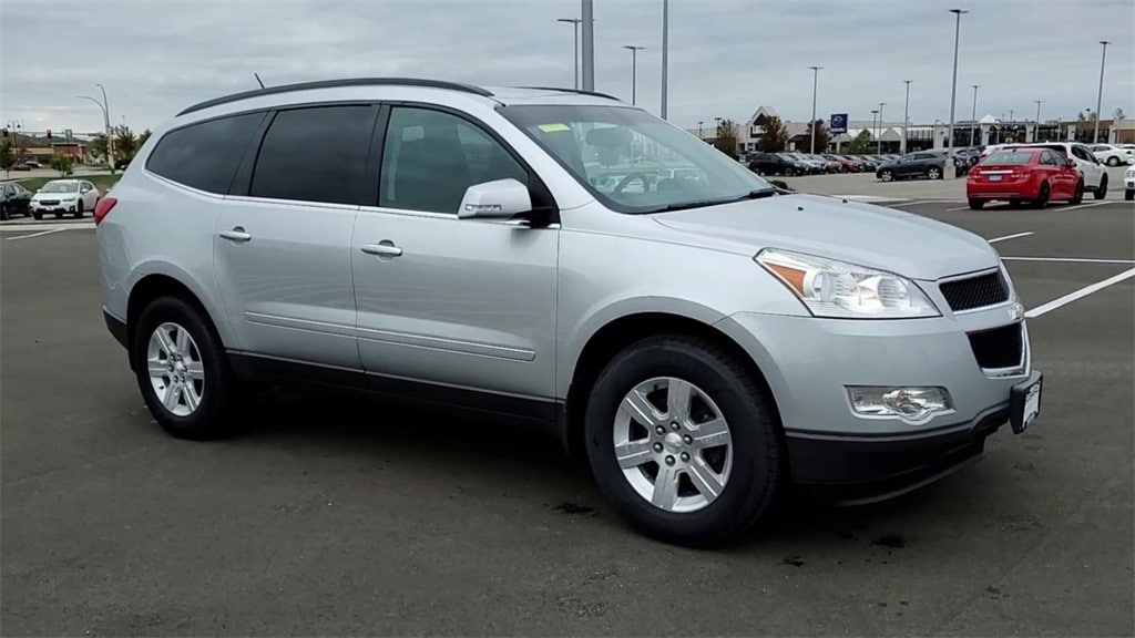 Used 2011 Chevrolet Traverse 1LT with VIN 1GNKRGEDXBJ302063 for sale in Rochester, Minnesota