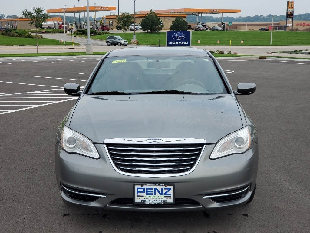Used 2013 Chrysler 200 LX with VIN 1C3CCBAB6DN678989 for sale in Rochester, Minnesota