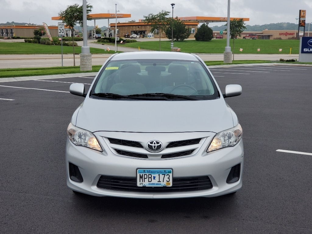 Used 2013 Toyota Corolla LE with VIN 2T1BU4EEXDC084722 for sale in Rochester, Minnesota