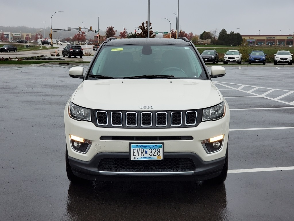 Used 2018 Jeep Compass Limited with VIN 3C4NJDCB0JT337621 for sale in Rochester, Minnesota