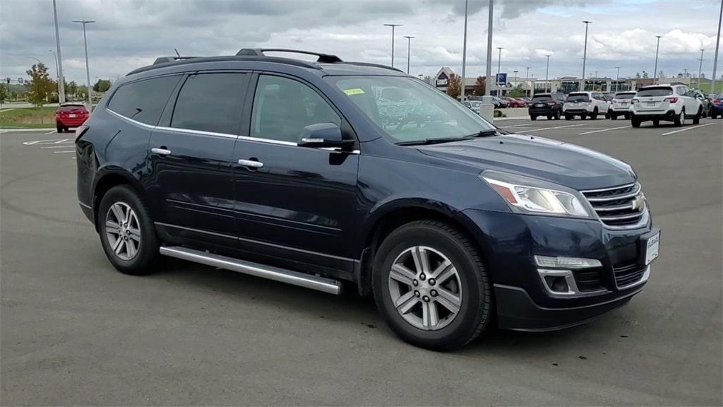 Used 2015 Chevrolet Traverse 2LT with VIN 1GNKVHKD8FJ133334 for sale in Rochester, Minnesota