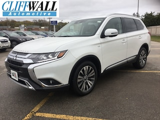 certified pre-owned 2019 Mitsubishi Outlander GT CUV greenbay wi