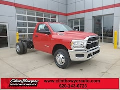 2020 Ram 3500 Chassis Cab 3500 TRADESMAN CHASSIS REGULAR CAB 4X4 60 CA Regular Cab in Emporia, KS