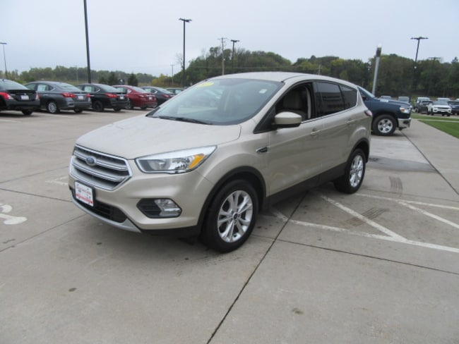 Used 2017 Ford Escape SE SUV in Clinton, IA