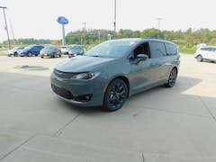 2020 Chrysler Pacifica TOURING L Passenger Van