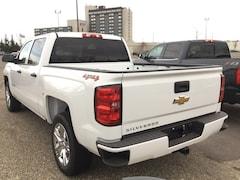 2018 Chevrolet Silverado 1500 Demo Blowout - Only 4102 KMS!!! Truck Crew Cab