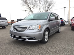 2014 Chrysler Town & Country Touring | FWD | Cloth | Rear CAM Van Passenger Van