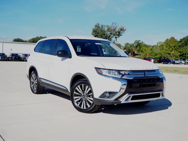 New 2019 Mitsubishi Outlander ES CUV in Melbourne, FL