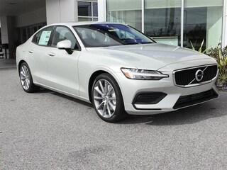 New 2019 Volvo S60 T5 Momentum Sedan 7JR102FK2KG001123 for sale in Sarasota, FL