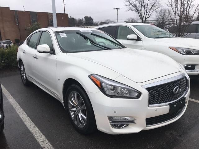 2015 INFINITI Q70 3.7 Sedan