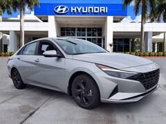 2022 Hyundai Elantra SEL Sedan