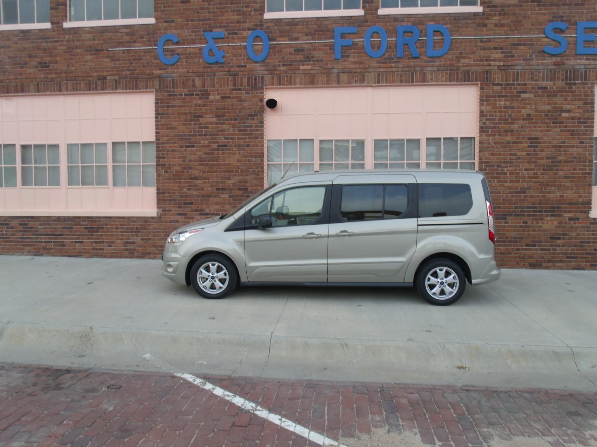 2016 Ford Transit Connect cloth Minivan