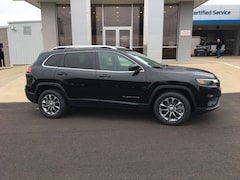New 2019 Jeep Cherokee LATITUDE PLUS FWD Sport Utility for sale in New Boston