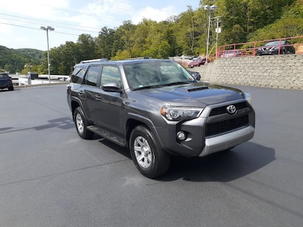 Featured used 2016 Toyota 4Runner 4WD 4dr V6 SR5 (Natl) SUV for sale in Bluefield, WV