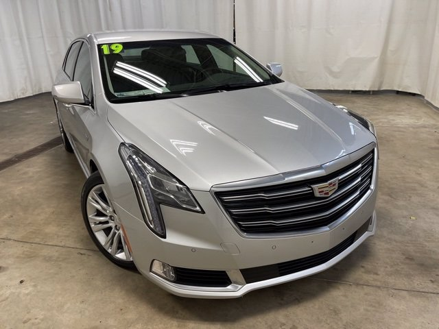 19 2019 Cadillac XTS owners manual with Navigation BRAND NEW