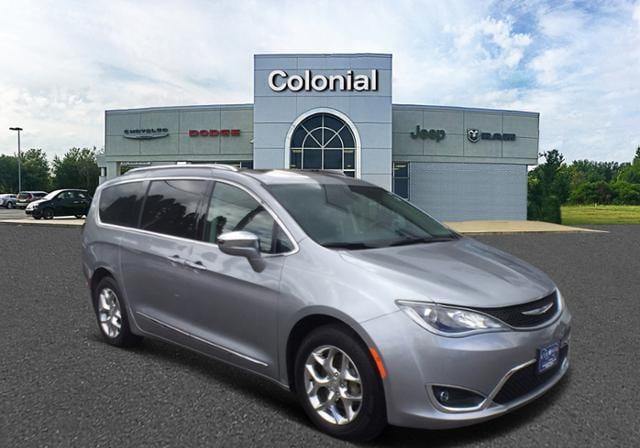 2019 Chrysler Pacifica Limited FWD Mini-van, Passenger