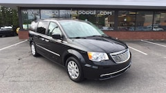 Buy a 2016 Chrysler Town & Country For Sale Hudson, MA