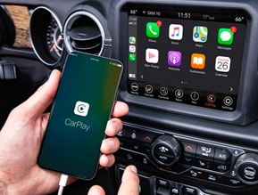 Apple CarPlay COMPATIBLE