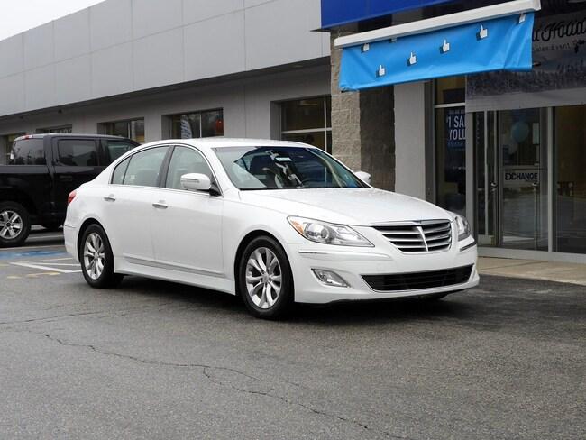 2013 Hyundai Genesis 3.8L Sedan
