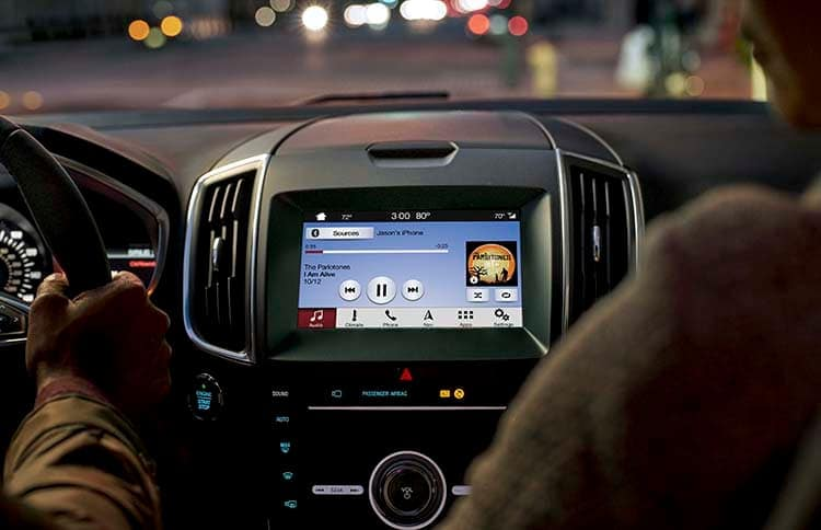 2019 Ford Edge Technology Panel playing music