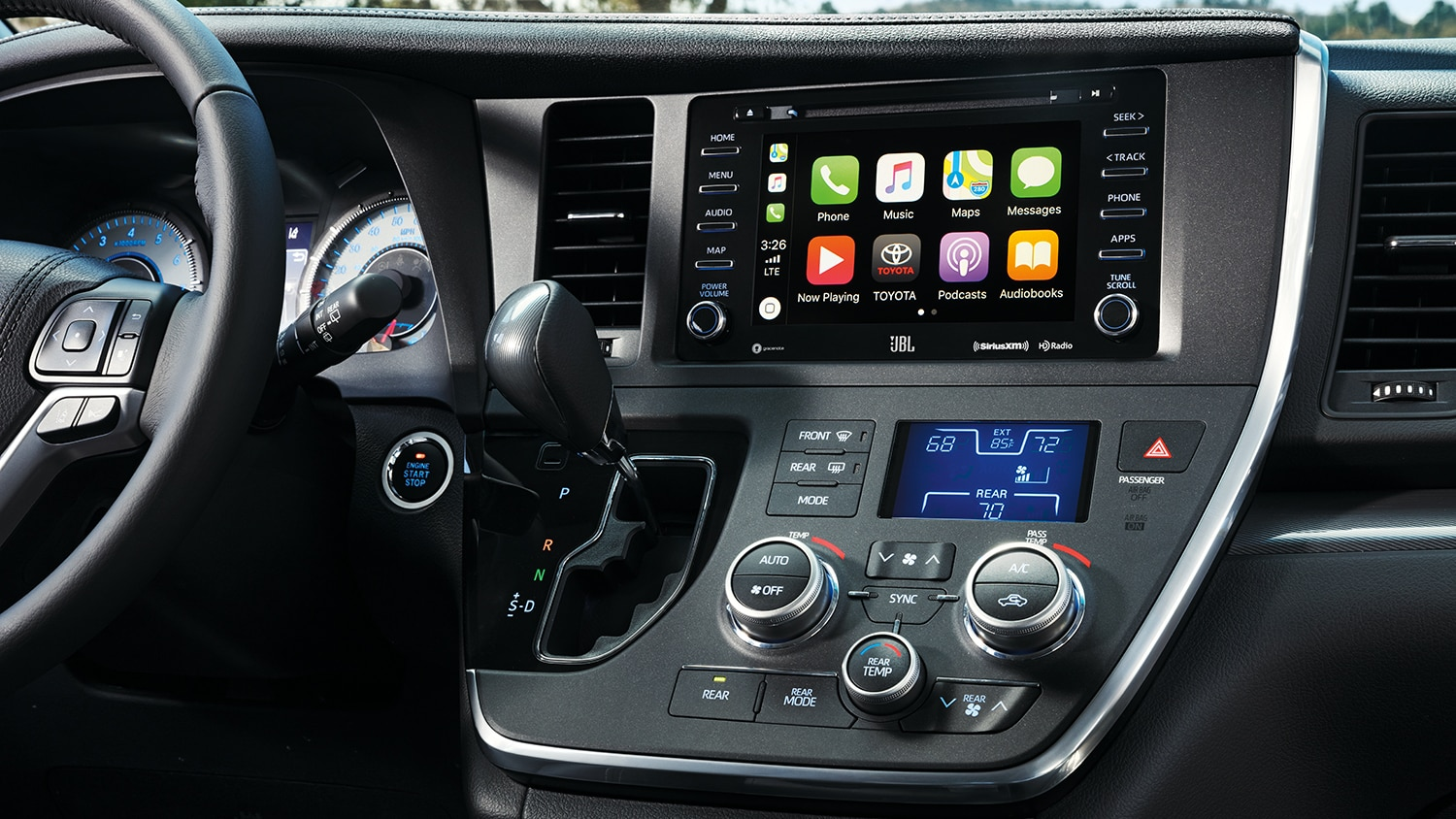 Interior view of the touchscreen infotainment system of the 2019 Sienna