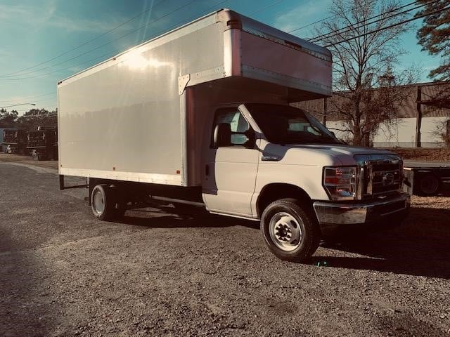 2019 Ford E-450 Cutaway Base Box Truck