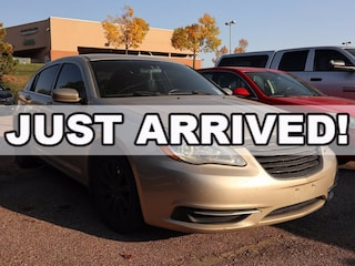 2014 Chrysler 200 4dr Sdn Touring 4dr Car