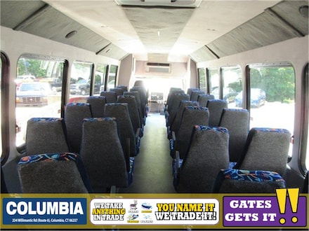 2013 Starcraft XLT 30 Passenger BUS Minivan/Van