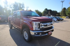 2019 Ford F-350 XLT w/ XLT Value Package & FX4 Truck Crew Cab