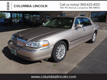 2003 Lincoln Town Car Executive Executive  Sedan