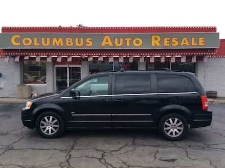 2009 Chrysler Town & Country Touring Van Regular