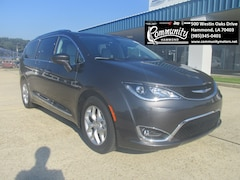 New 2019 Chrysler Pacifica TOURING L PLUS Passenger Van 2C4RC1EG6KR505575 for sale in Hammond, LA at Community Motors