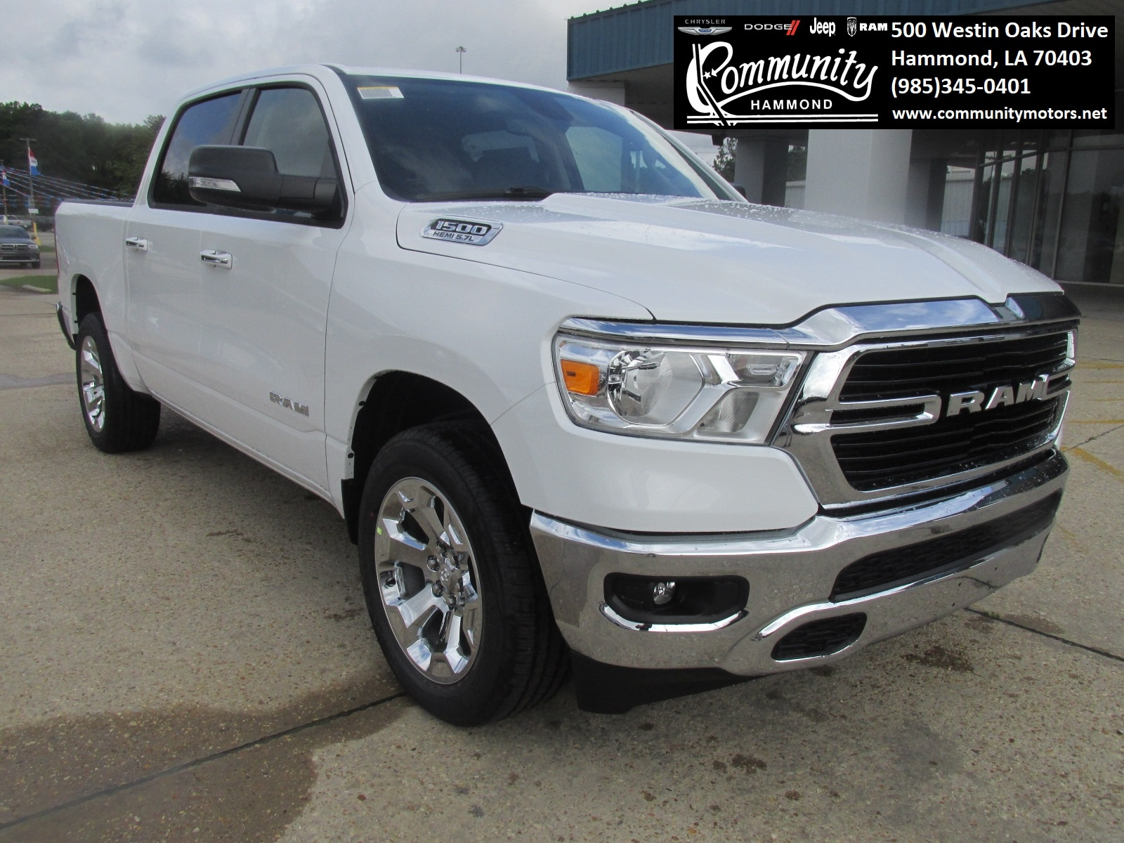 2019 Ram All-New 1500 BIG HORN / LONE STAR CREW CAB 4X2 5'7 BOX Crew Cab 1C6RREFT4KN821837