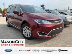2020 Chrysler Pacifica Touring L FWD Mini-van, Passenger