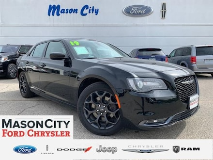 2019 Chrysler 300 300S AWD Car