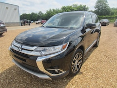 2018 Mitsubishi Outlander Utility Vehicle