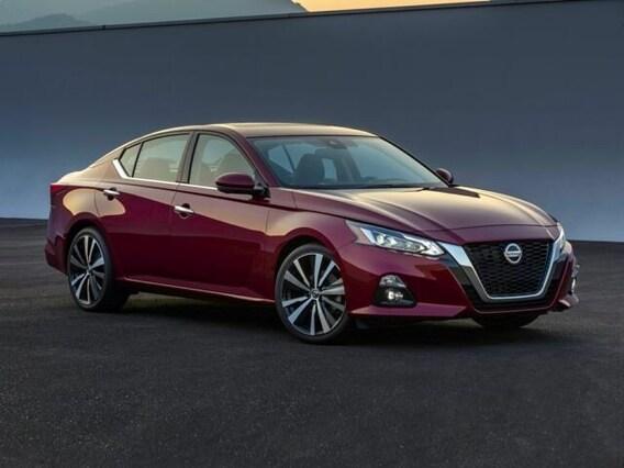 Altima Vs Maxima >> Compare Nissan Altima Vs Nissan Maxima Concordville Nissan