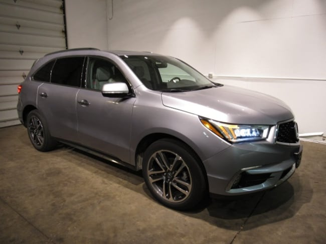 Pre-Owned luxury vehicles 2017 Acura MDX 3.5L SUV for sale near you in Milwaukee, WI