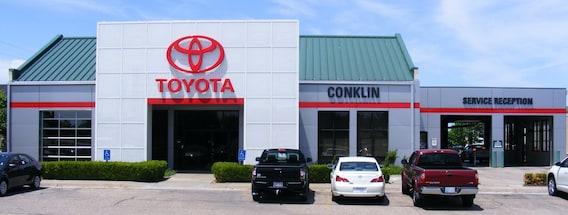 Toyota Dealers In Kansas >> Toyota Dealership Near Wichita Ks New Toyota Sales Service