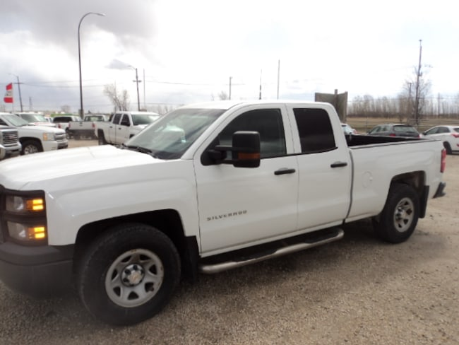 2015 Chevrolet Silverado 1500 Double Cab 4x4 Trailer tow package Truck Double Cab