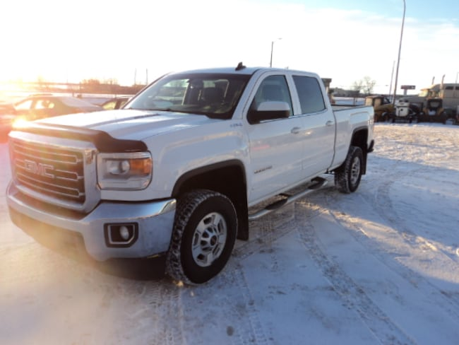 2015 GMC SIERRA 2500HD 6.6L Turbo Diesel 4x4 Leather interior Crew Cab