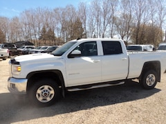 2015 GMC SIERRA 2500HD SLE with leather Duramax Diesel Crew Cab